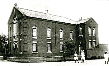 Thurleigh baptist church around 1900 [Z50/122/11]